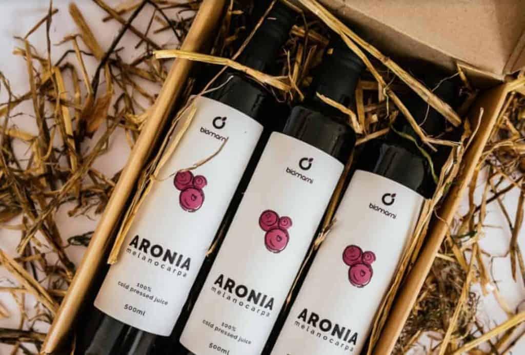 Aronia juice cold pressed